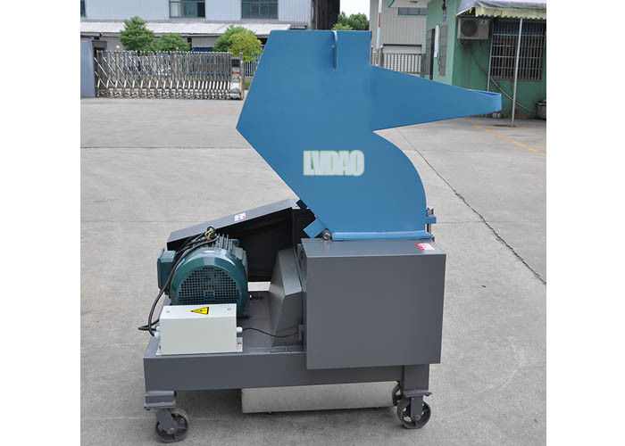 Flat Type Plastic Crusher Machine Easy Cleaning Maintain Steel Low Electricity Consumption